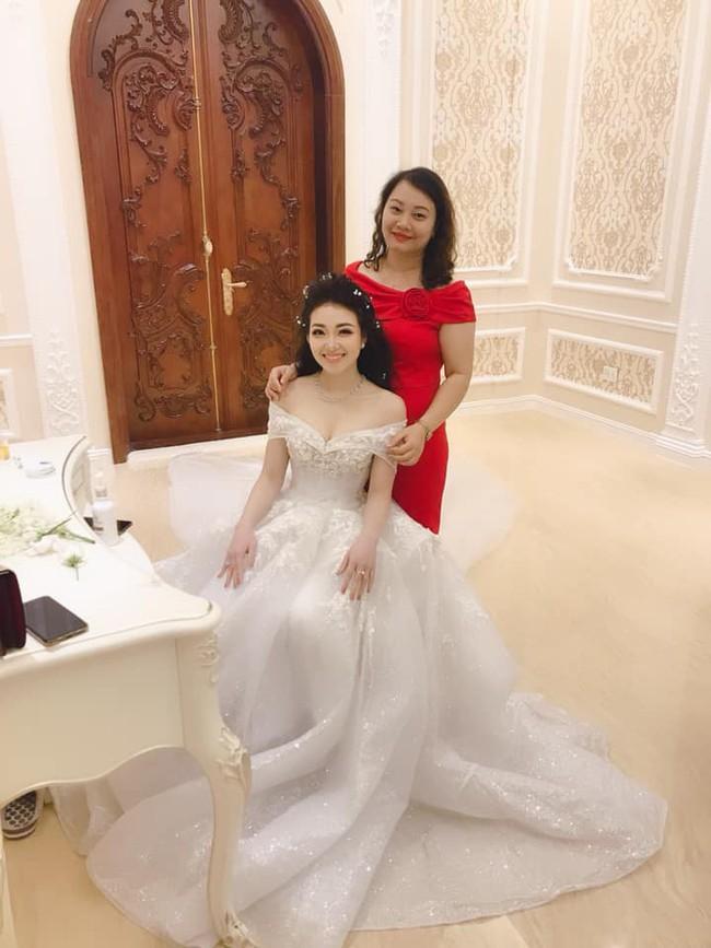 Nhan sắc lộng lẫy, gia thế đáng gờm của cô dâu sống trong lâu đài, đám cưới ngập vàng ở Nam Định - Ảnh 10.