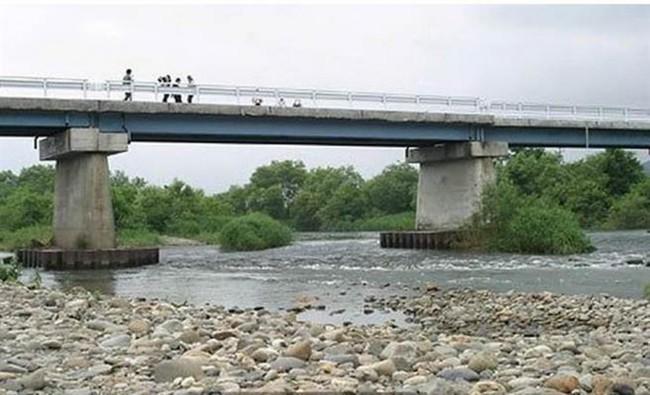 Hai đứa trẻ vô tội bị giết rồi vứt xác dưới chân cùng 1 cây cầu, thủ phạm là người nằm mơ không ai ngờ - Ảnh 3.