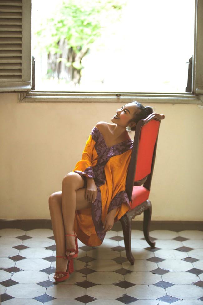 Mẹ Đoan Trang lần đầu thử sức làm người mẫu cùng con gái - Ảnh 2.