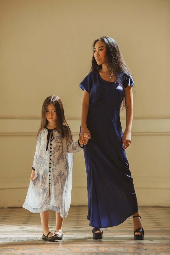 Mẹ Đoan Trang lần đầu thử sức làm người mẫu cùng con gái - Ảnh 10.
