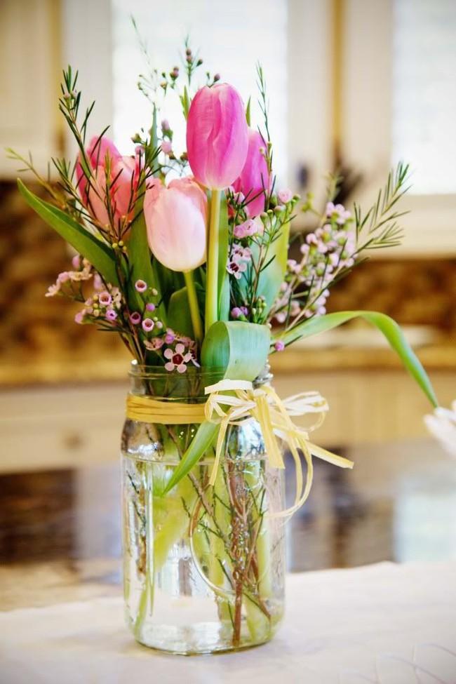 Những cách cắm hoa vừa dễ vừa đẹp trang trí nhà dịp Tết - Ảnh 9.