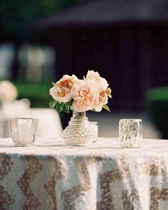 Những cách cắm hoa vừa dễ vừa đẹp trang trí nhà dịp Tết - Ảnh 5.