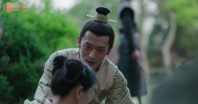 Muốn lấy chồng giàu, chị gái Triệu Lệ Dĩnh giả làm người hầu, trốn nhà đi gặp trai trẻ  - Ảnh 7.