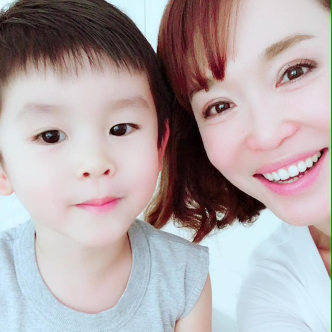 Ngắm Phạm Văn Phương, chẳng ai nghĩ cô đã 48 tuổi và đây là 7 tips chăm sóc da của nhan sắc huyền thoại này - Ảnh 5.