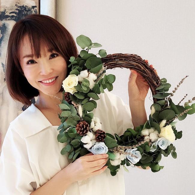 Ngắm Phạm Văn Phương, chẳng ai nghĩ cô đã 48 tuổi và đây là 7 tips chăm sóc da của nhan sắc huyền thoại này - Ảnh 1.