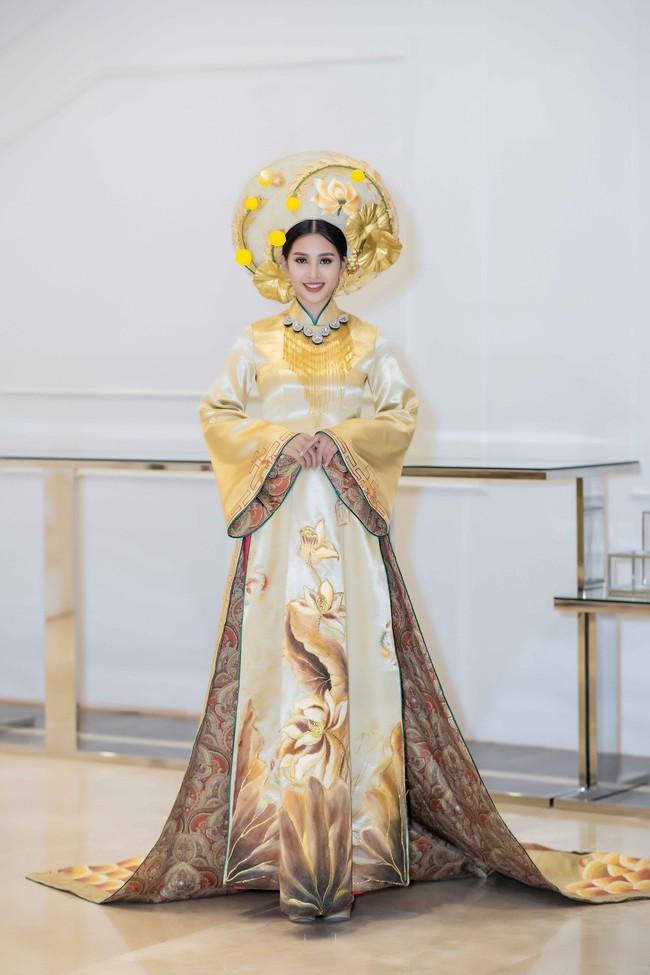 Hoa hậu Tiểu Vy quyền lực như Hoàng hậu bên cạnh Ái phi Phương Nga, Thúy An - Ảnh 3.