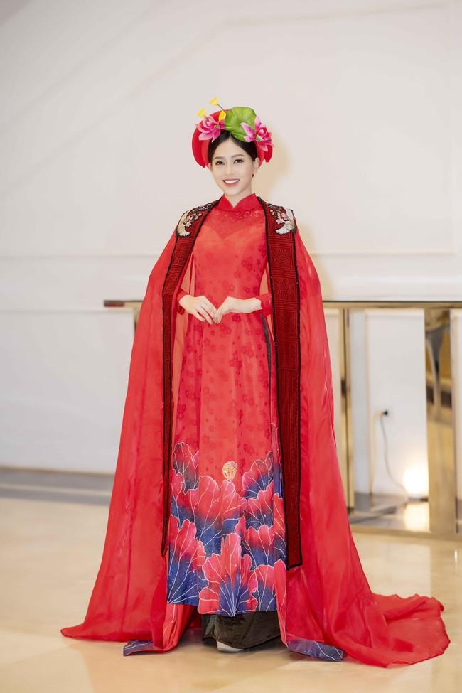 Hoa hậu Tiểu Vy quyền lực như Hoàng hậu bên cạnh Ái phi Phương Nga, Thúy An - Ảnh 6.