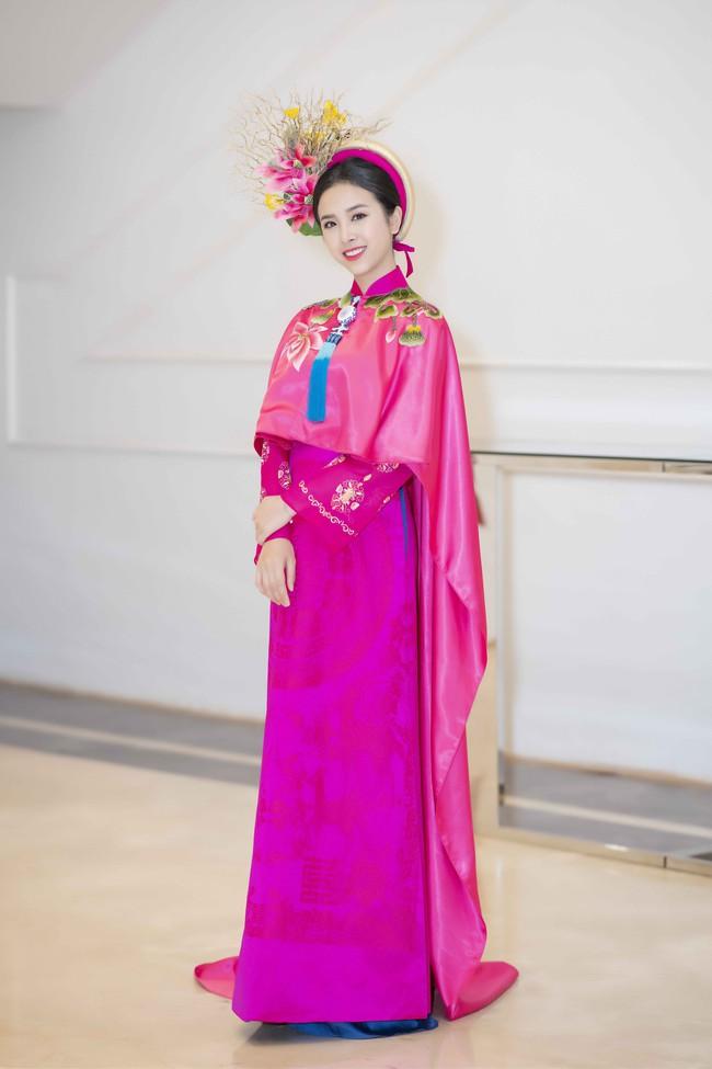 Hoa hậu Tiểu Vy quyền lực như Hoàng hậu bên cạnh Ái phi Phương Nga, Thúy An - Ảnh 8.