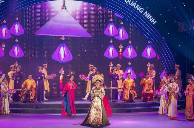 Hoa hậu Tiểu Vy quyền lực như Hoàng hậu bên cạnh Ái phi Phương Nga, Thúy An - Ảnh 9.