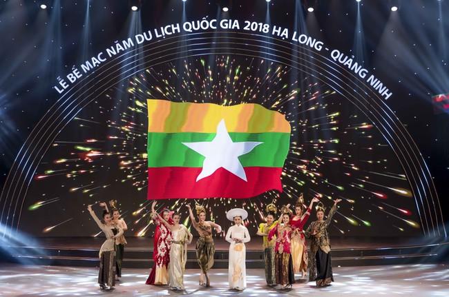 Hoa hậu Tiểu Vy quyền lực như Hoàng hậu bên cạnh Ái phi Phương Nga, Thúy An - Ảnh 10.
