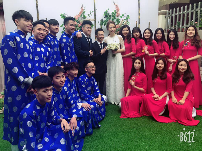 Đàm Thu Trang diện áo dài trắng, make up nhẹ như không, đơn giản hơn hẳn so với 2 cô bạn thân trước đó - Ảnh 2.