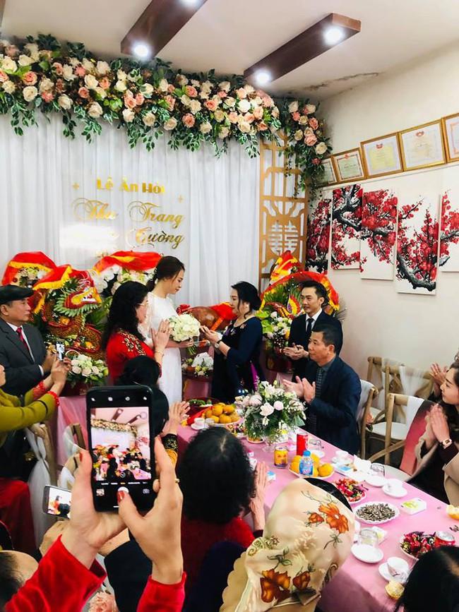Đàm Thu Trang lộ vòng 2 nhô cao trong lễ ăn hỏi bí mật đến phút chót với Cường Đô La - Ảnh 3.