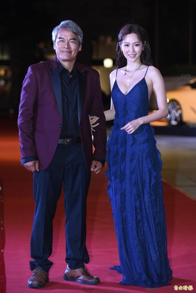 Khéo sửa váy, Park Min Young đẹp mà vẫn sexy hơn cả mỹ nữ bị cắt sóng trên truyền hình vì khoe vòng 1 quá đà - Ảnh 3.
