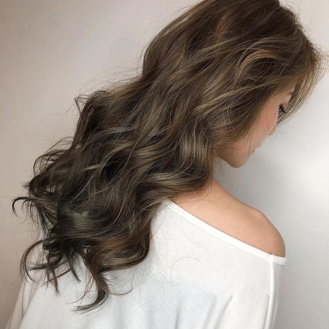 2 tuần nữa mới đến Tết nhưng đã nhuộm từ bây giờ, đây là 5 tip chăm sóc cho mái tóc nhuộm/tẩy màu của bạn - Ảnh 1.