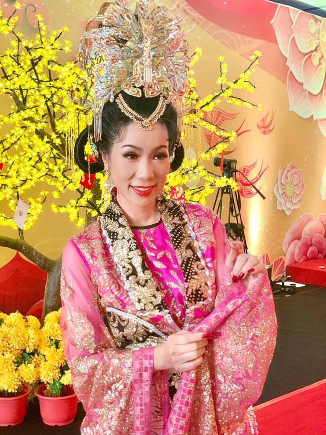 Táo Quân miền Nam: Hé lộ tạo hình lộng lẫy của Thiên Hậu Trịnh Kim Chi  - Ảnh 2.