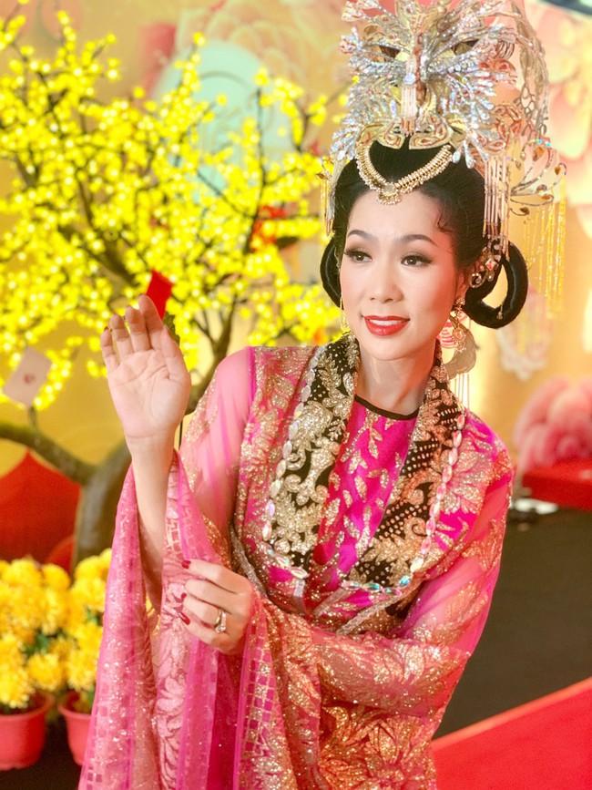 Táo Quân miền Nam: Hé lộ tạo hình lộng lẫy của Thiên Hậu Trịnh Kim Chi  - Ảnh 1.
