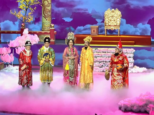 Táo Quân miền Nam: Hé lộ tạo hình lộng lẫy của Thiên Hậu Trịnh Kim Chi  - Ảnh 8.