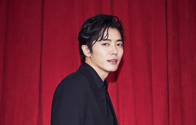 Sau Park Seo Joon, Park Min Young tiếp tục ghép đôi với trai đẹp mới toanh - Ảnh 1.