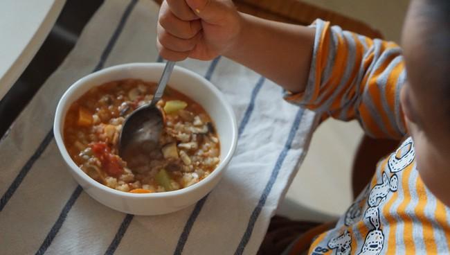 Không cần làm những món dặm cầu kì, người mẹ này chỉ làm 4 điều sau là bé luôn ăn ngon trong mọi bữa cơm - Ảnh 1.