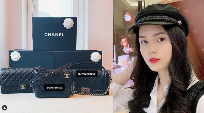 Tết chưa đến, Quỳnh Anh đã được bạn trai quốc dân Duy Mạnh tặng túi Chanel Boy trăm triệu, khiến hội chị em ghen tị hết sức - Ảnh 1.