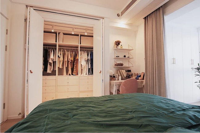 Căn hộ 70m² trên tầng 33 đẹp hút hồn với thiết kế gạch sàn bếp hình lục giác độc đáo - Ảnh 14.