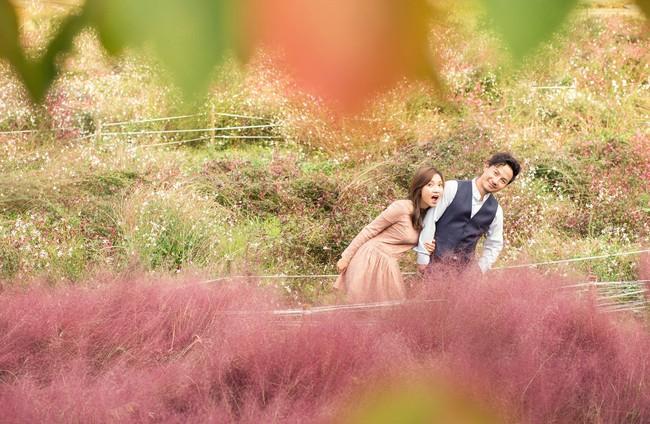 Trọn bộ ảnh cưới ngập tràn sắc vàng mùa thu Hàn Quốc của rapper Tiến Đạt và vợ mới cưới Thụy Vy - Ảnh 10.
