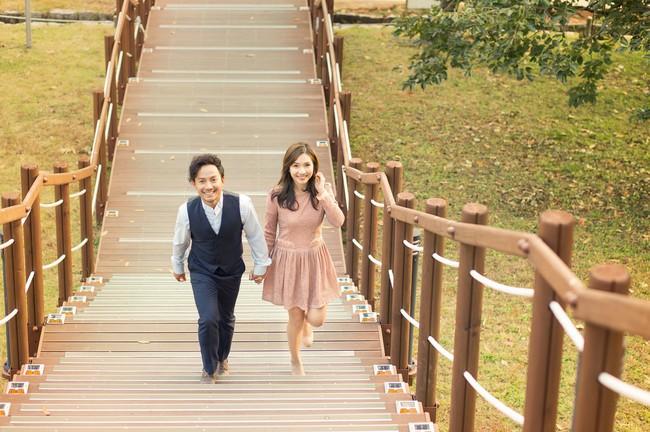Trọn bộ ảnh cưới ngập tràn sắc vàng mùa thu Hàn Quốc của rapper Tiến Đạt và vợ mới cưới Thụy Vy - Ảnh 14.