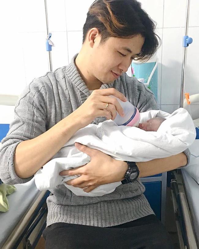 Mẹ Hà Nội 8 lần thông tắc sữa trong tháng đầu sau sinh và câu chuyện gian nan tìm dòng sữa mẹ cho con  - Ảnh 4.