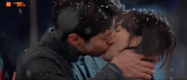 Tập cuối Encounter: Song Hye Kyo - Park Bo Gum hạnh phúc viên mãn cùng nụ hôn dưới màn tuyết lãng mạn - Ảnh 4.