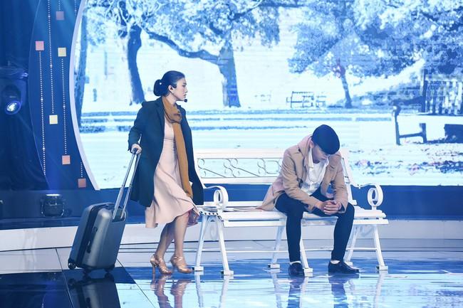 Chân bị chảy máu vì cú té quá mạnh, Tiêu Châu Như Quỳnh vẫn tiếp tục nhảy múa - Ảnh 2.