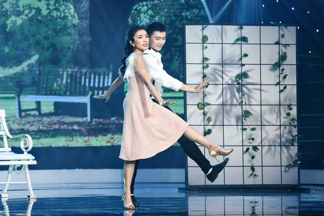 Chân bị chảy máu vì cú té quá mạnh, Tiêu Châu Như Quỳnh vẫn tiếp tục nhảy múa - Ảnh 6.