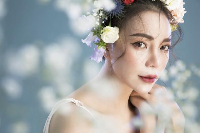 Trà Ngọc Hằng hóa nàng công chúa xuân kiều diễm, quyết trở lại ca hát sau khi sinh con  - Ảnh 1.