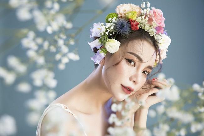 Trà Ngọc Hằng hóa nàng công chúa xuân kiều diễm, quyết trở lại ca hát sau khi sinh con  - Ảnh 2.