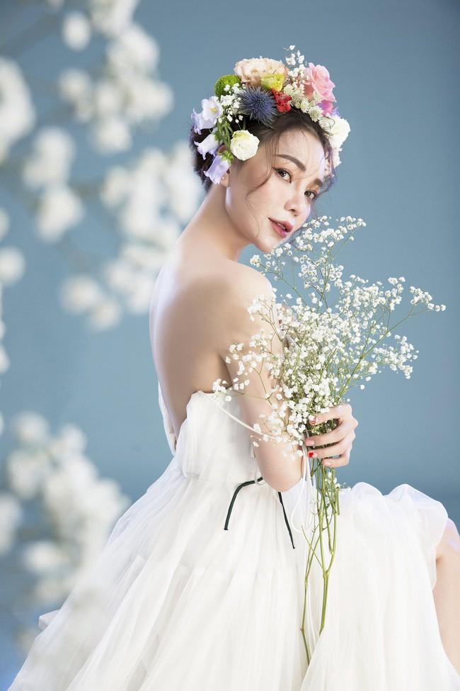 Trà Ngọc Hằng hóa nàng công chúa xuân kiều diễm, quyết trở lại ca hát sau khi sinh con  - Ảnh 4.