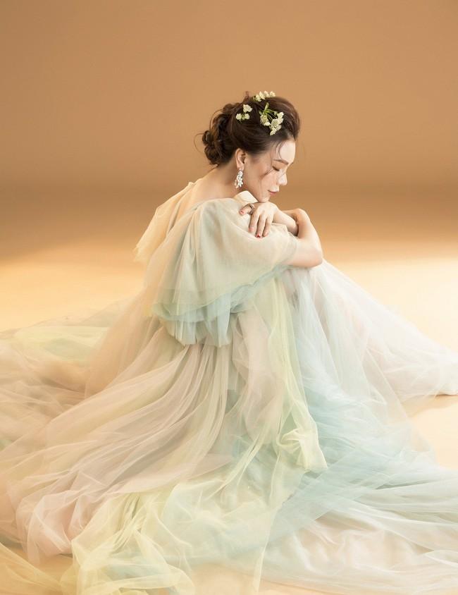 Trà Ngọc Hằng hóa nàng công chúa xuân kiều diễm, quyết trở lại ca hát sau khi sinh con  - Ảnh 6.