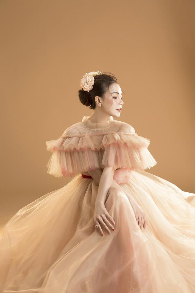 Trà Ngọc Hằng hóa nàng công chúa xuân kiều diễm, quyết trở lại ca hát sau khi sinh con  - Ảnh 8.