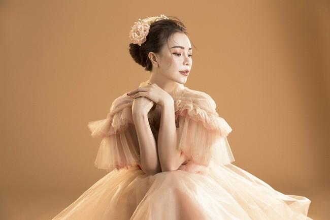Trà Ngọc Hằng hóa nàng công chúa xuân kiều diễm, quyết trở lại ca hát sau khi sinh con  - Ảnh 9.