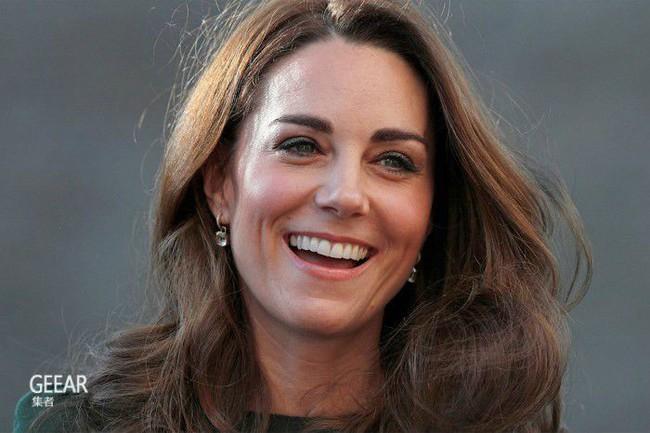 Chiếc váy của Công nương Kate đẹp đã đành, nhưng ý nghĩa phía sau mới là lý do khiến công chúng ngưỡng mộ - Ảnh 1.