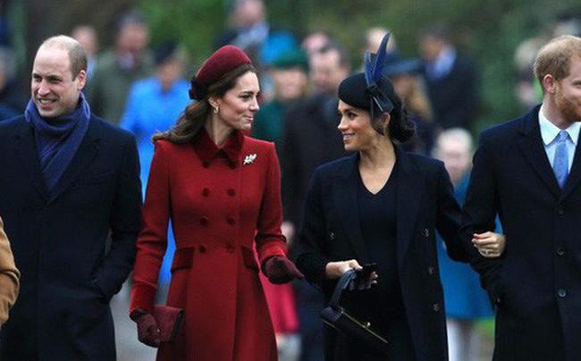 Chiếc váy của Công nương Kate đẹp đã đành, nhưng ý nghĩa phía sau mới là lý do khiến công chúng ngưỡng mộ - Ảnh 3.