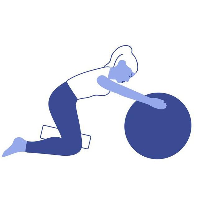 Các bài tập với bóng tăng cường khả năng cân bằng và sức mạnh của cơ thể - Ảnh 5.