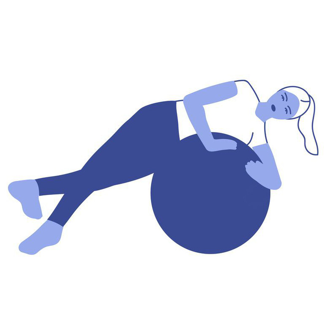 Các bài tập với bóng tăng cường khả năng cân bằng và sức mạnh của cơ thể - Ảnh 7.