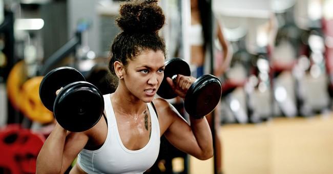 Cứ cắm mặt vào tập thể dục nhưng chưa chắc bạn đã biết rằng đây mới là cách tập giúp bạn trẻ lâu - Ảnh 2.