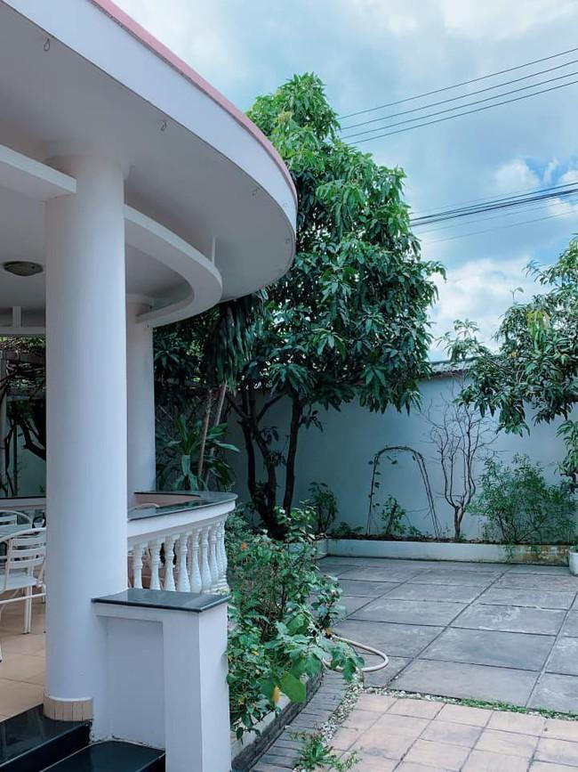 Nhà vườn bình yên và ngập tràn cây ăn quả của diễn viên Việt Trinh ở Bình Dương - Ảnh 9.