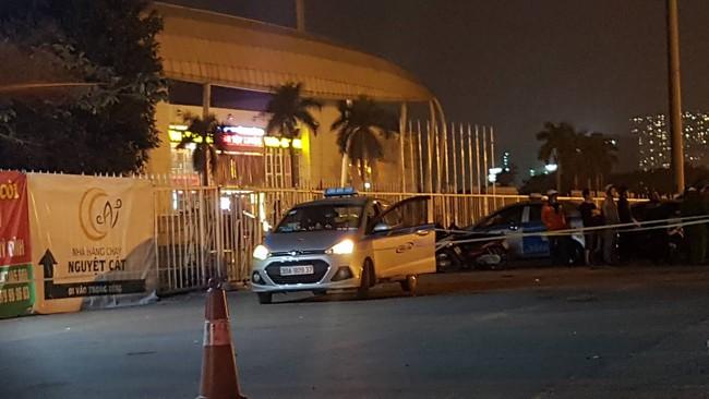 Vụ tài xế taxi tử vong nghi bị sát hại ở Hà Nội: Khách lên xe không gọi qua tổng đài - Ảnh 3.