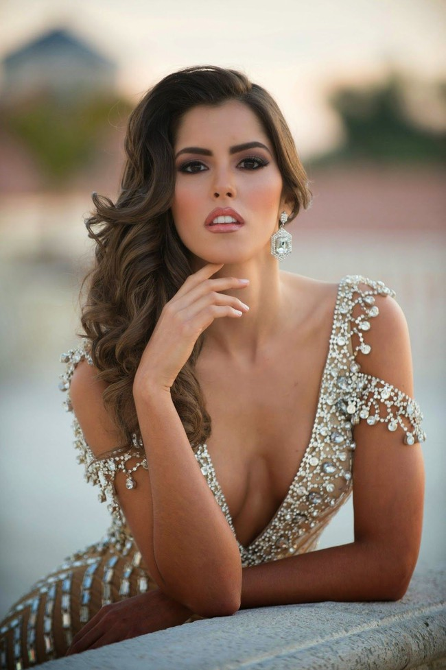 HHen Niê bên dàn Hoa hậu của các Hoa hậu các năm: Toàn nhan sắc nữ thần, body nóng bỏng đến khó rời mắt! - Ảnh 19.