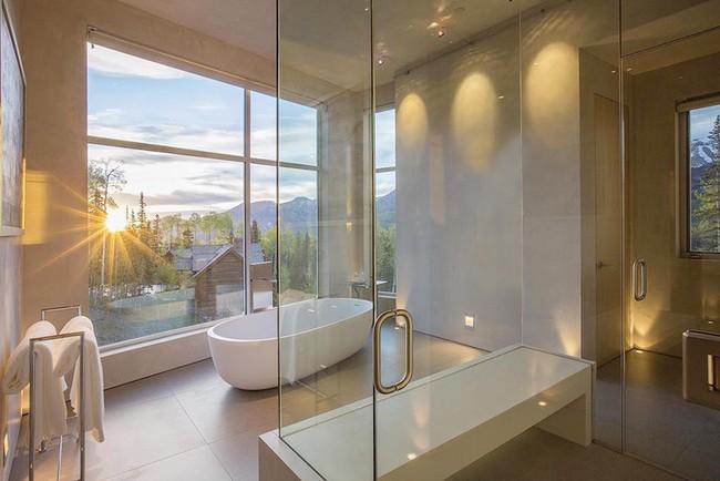 Bất kể diện tích lớn nhỏ, chỉ nhờ mẹo thiết kế này mà căn phòng tắm luôn khiến người dùng thoải mái - Ảnh 17.