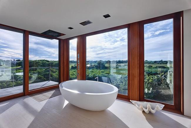 Bất kể diện tích lớn nhỏ, chỉ nhờ mẹo thiết kế này mà căn phòng tắm luôn khiến người dùng thoải mái - Ảnh 18.