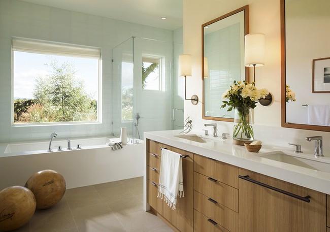 Bất kể diện tích lớn nhỏ, chỉ nhờ mẹo thiết kế này mà căn phòng tắm luôn khiến người dùng thoải mái - Ảnh 19.