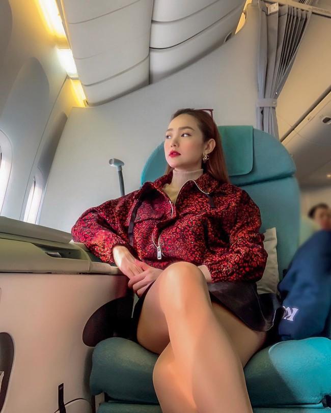 """Quyết """"thời trang phang thời tiết"""", Minh Hằng run lẩy bẩy khi diện váy ngắn chụp ảnh sống ảo giữa cái lạnh 4 độ C - Ảnh 2."""