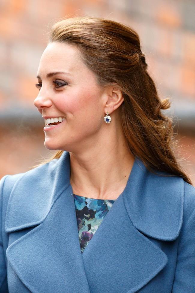 8 món trang sức Kate và Meghan được thừa hưởng từ Công nương Diana: không hoành tráng, lộng lẫy thì cũng đặc biệt tinh tế - Ảnh 7.